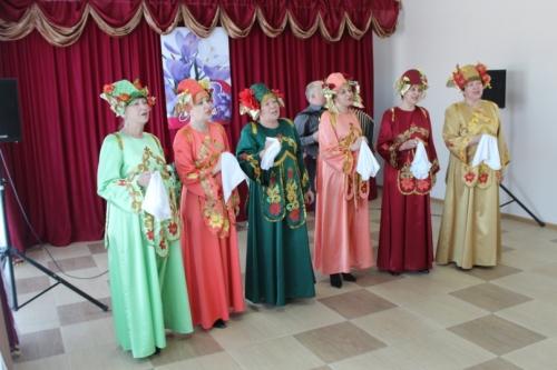 Музыка Весны. Во Дворце культуры «Колос» поздравили представительниц прекрасного пола