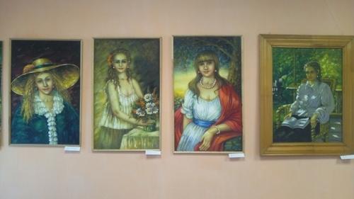 «Обаяние портретов». В Уйском открылась новая выставка
