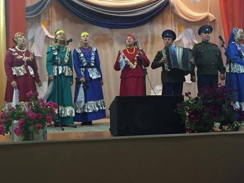 «С праздником!» Единороссы района поздравили жителей Кидыша