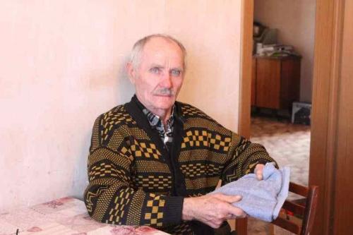 Навестили и подарили памятные подарки. Сотрудники Уйского краеведческого музея поздравили ветеранов музея с Днём пожилых людей